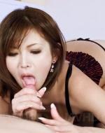 Cewek-jepang-ngemut-nyepong-kontol-5.jpg
